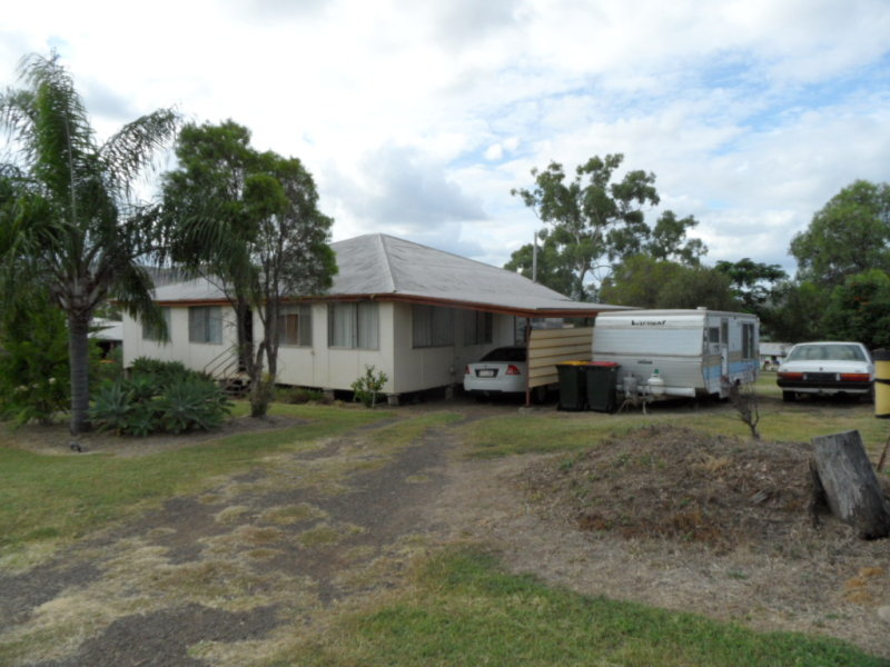 16 GAP STREET, Springsure, Qld 4722