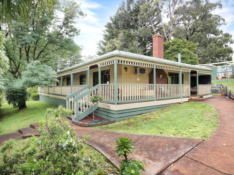 70 Lewis Road, Silvan, Vic 3795
