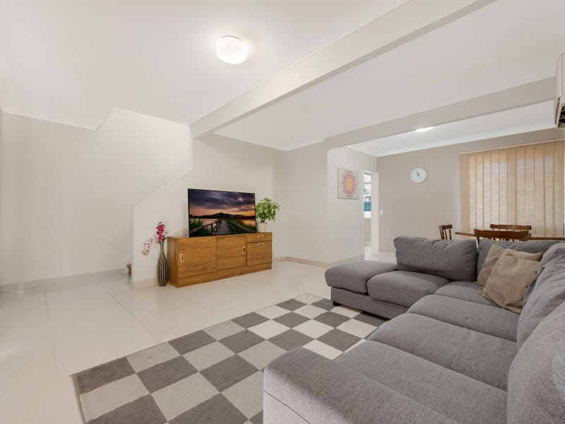 26/15-19 Fourth Avenue, Macquarie Fields, NSW 2564