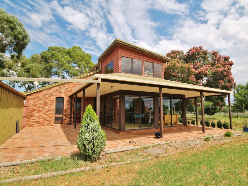 149 Chums Lane, Young, NSW 2594