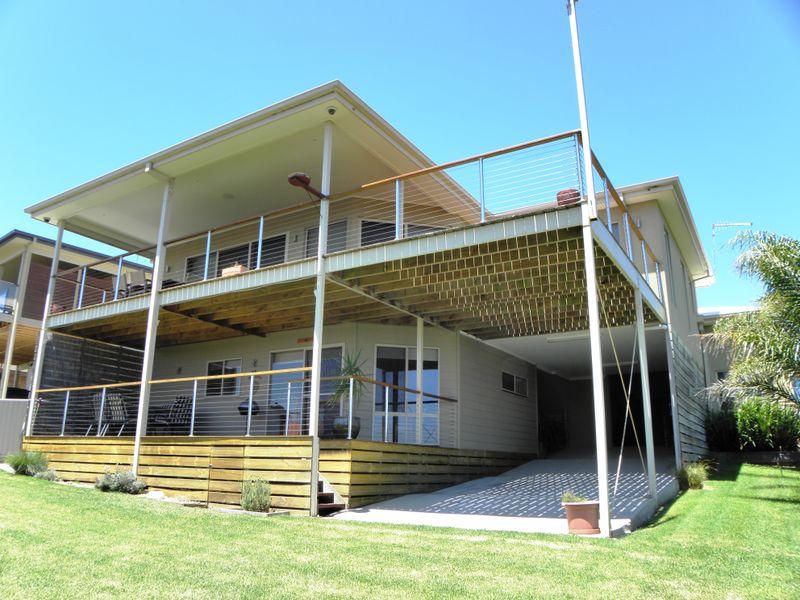 12 Davernport Drive, Lake Tyers Beach, Vic 3909