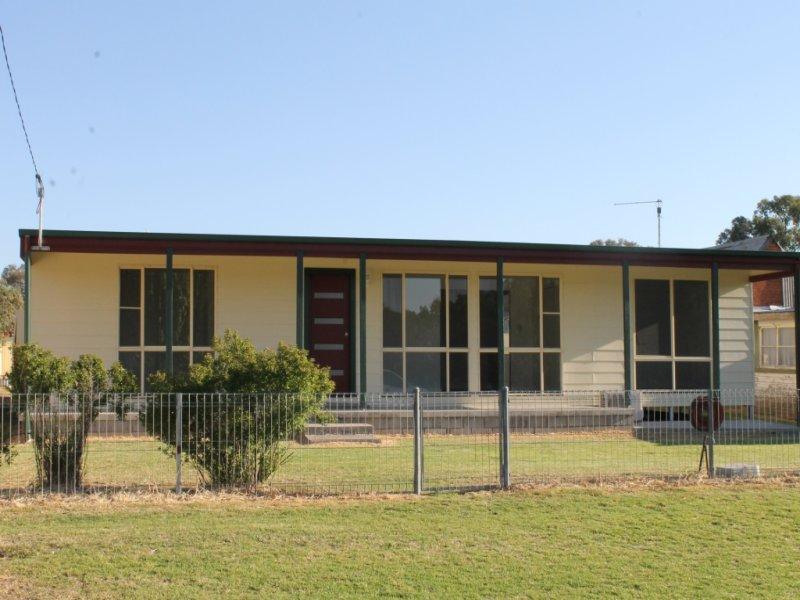 14 Bowline Street, Bundarra, NSW 2359