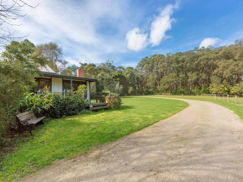 417 Arthurs Seat Road, Red Hill, Vic 3937