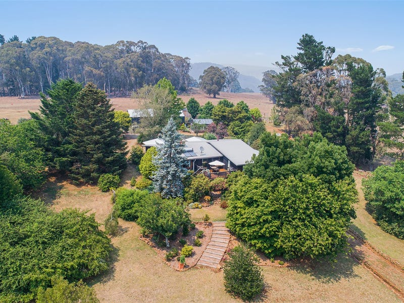 1239 Barry Road, Hanging Rock, NSW 2340
