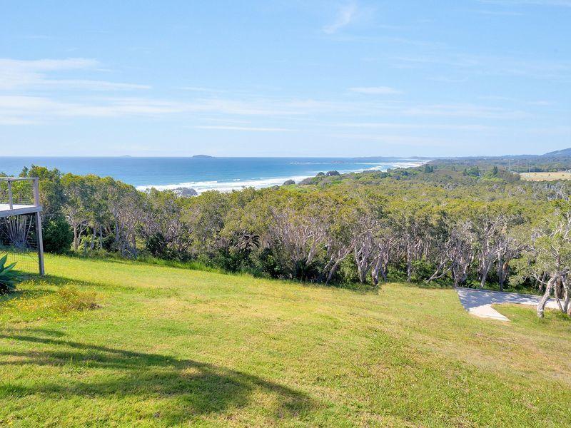 55 Cassia Lane, Woolgoolga, NSW 2456