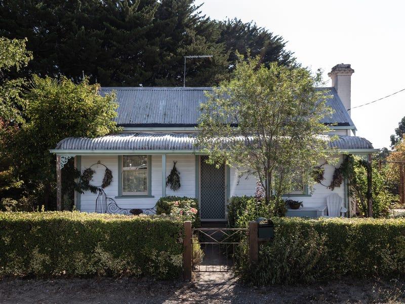 10 Perrins Street, Daylesford, Vic 3460