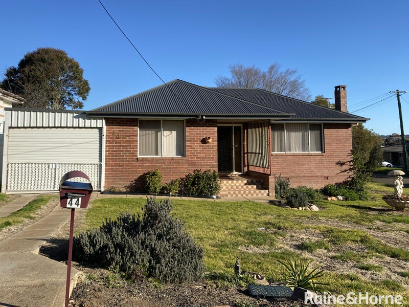 44 Orchard Street, Young, NSW 2594