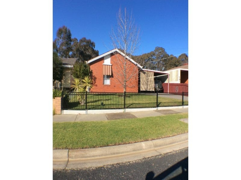 40 Martindale Crescent, Seymour, Vic 3660