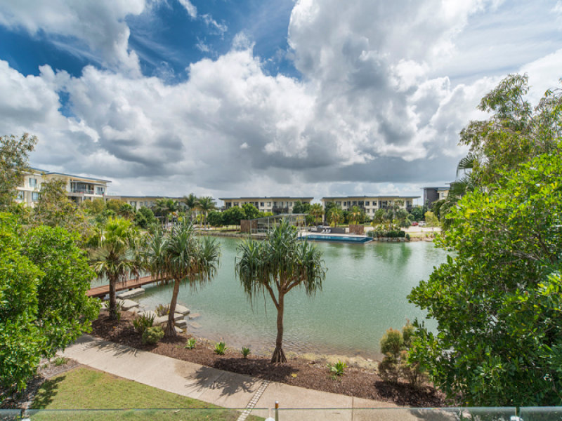 223/3 Pendraat Parade, Hope Island, Qld 4212
