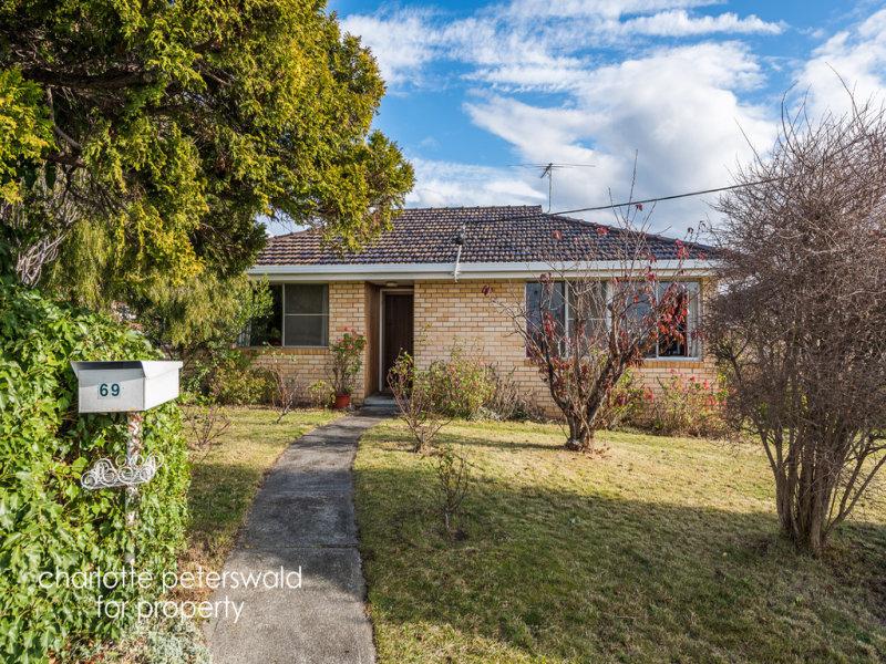 1/69 Red Chapel Avenue, Sandy Bay, Tas 7005
