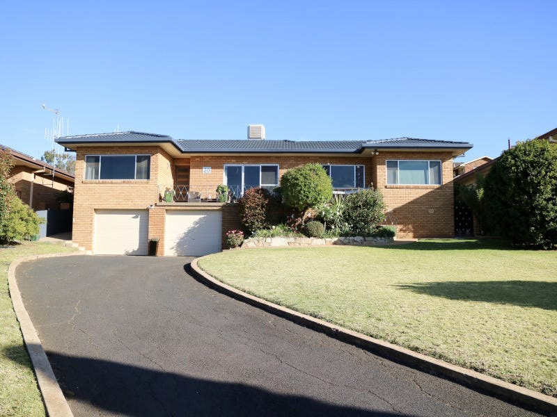 20 Mengarvie Road, Parkes, NSW 2870