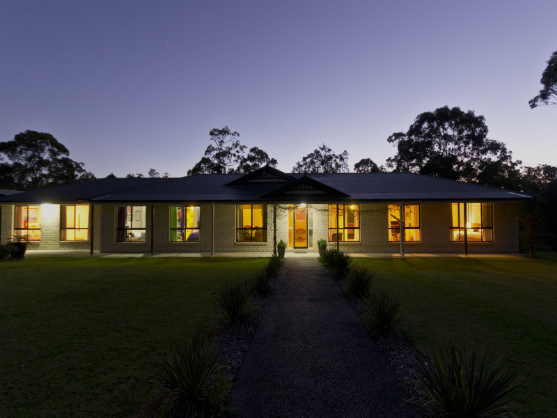 52  Gracelands Place, Pampoolah, NSW 2430