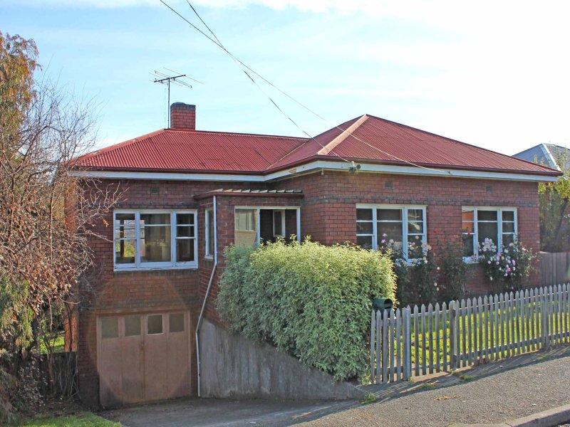 18 Cross Street, New Town, Tas 7008