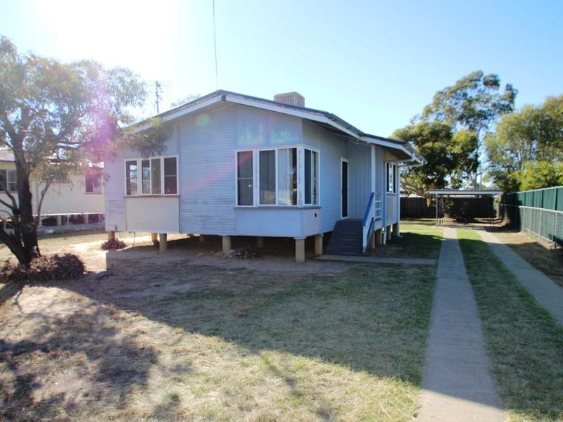 22 Downs Street, Roma, Qld 4455