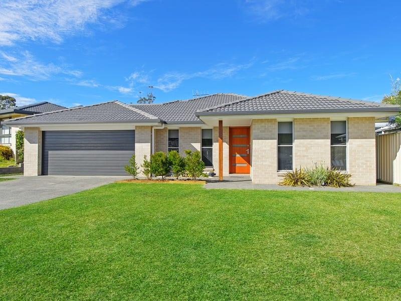 4 Kara Close, Lake Cathie, NSW 2445