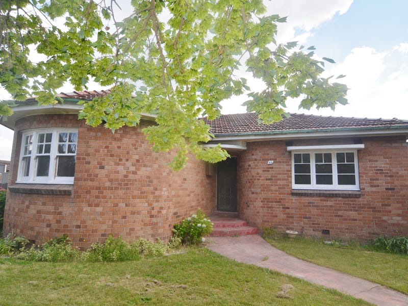 43 Martini Parade, Lithgow, NSW 2790
