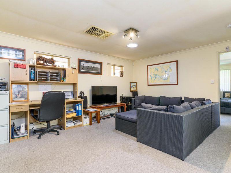 23A Redfox Crescent, Huntingdale, WA 6110
