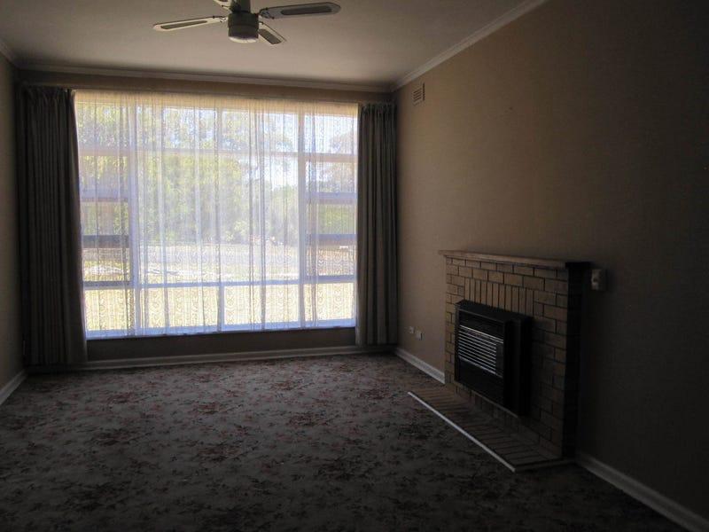 15 Mc Rostie Street, Millicent, SA 5280