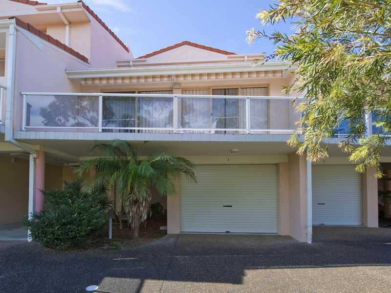 Villa 3,30 Leonard Avenue, Shoal Bay, NSW 2315