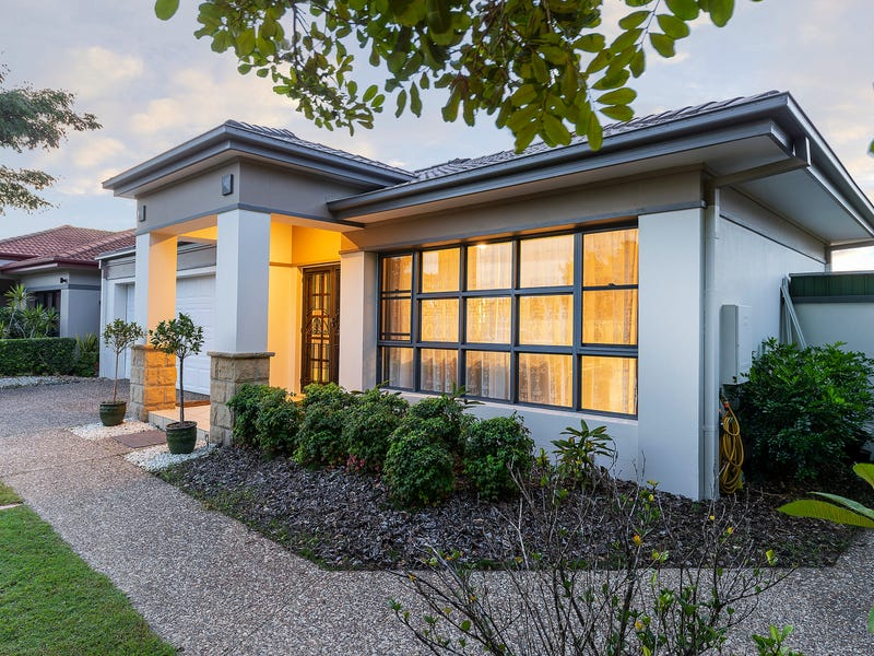 2001 Gracemere Gardens Cct, Hope Island, Qld 4212