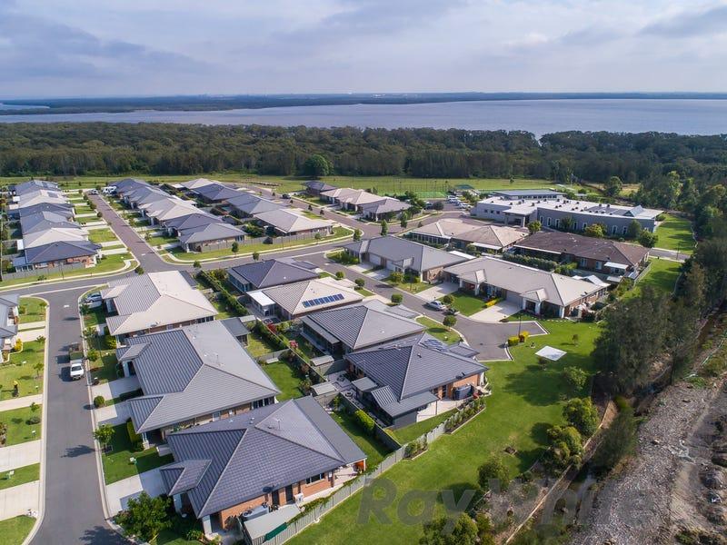 The Cove Village, Fullerton Cove