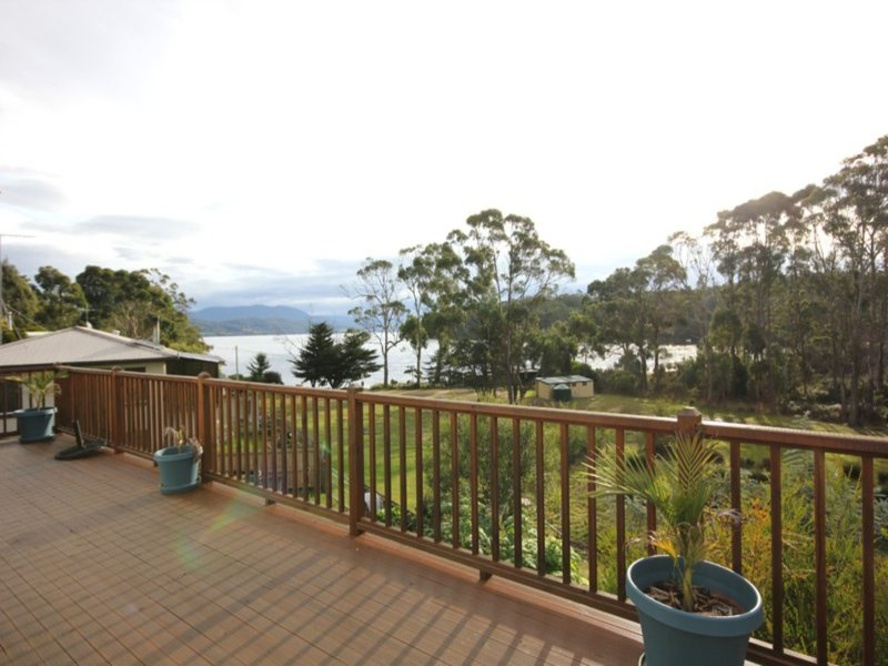 60 Flakemores Road, Eggs And Bacon Bay, Tas 7112
