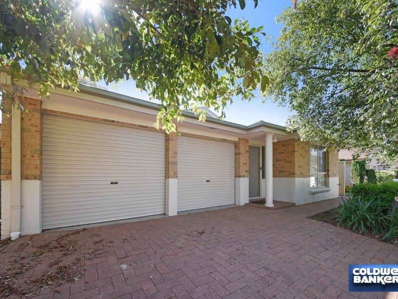 33 Glenelg Court, Wattle Grove, NSW 2173
