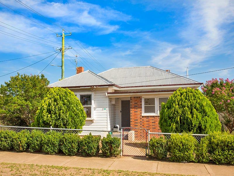 59 GIPPS STREET, West Tamworth, NSW 2340