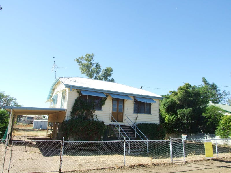 18 Wompoo Road, Longreach, Qld 4730