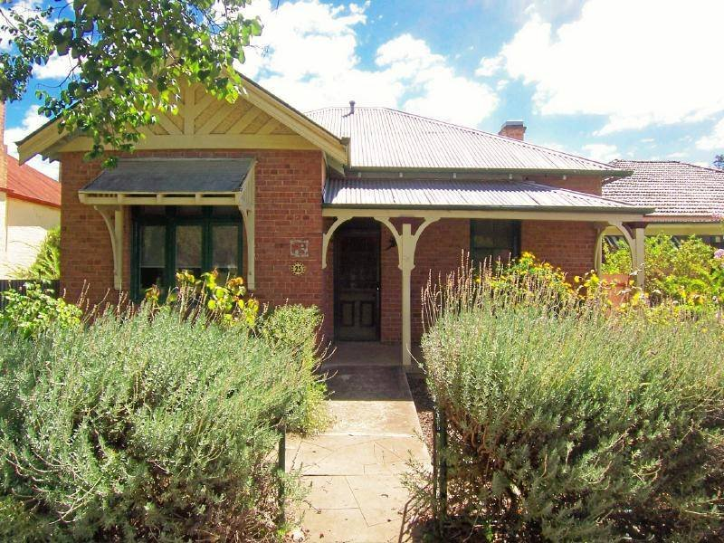 25 Thompson Street, Cootamundra, NSW 2590