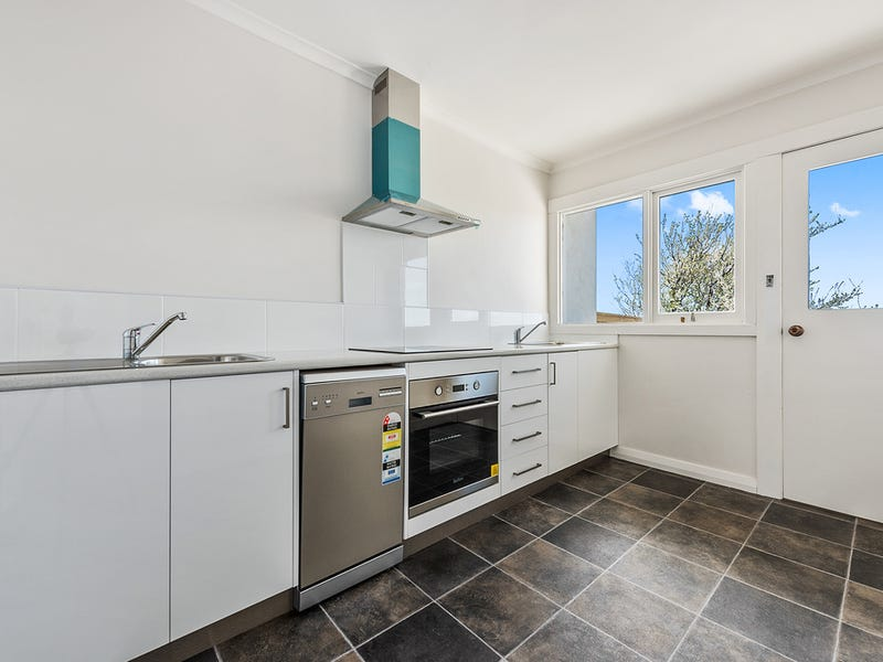 Unit 2/ 29A Middle Road, Devonport