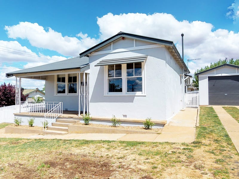 2 Gallipoli Ave, Junee, NSW 2663