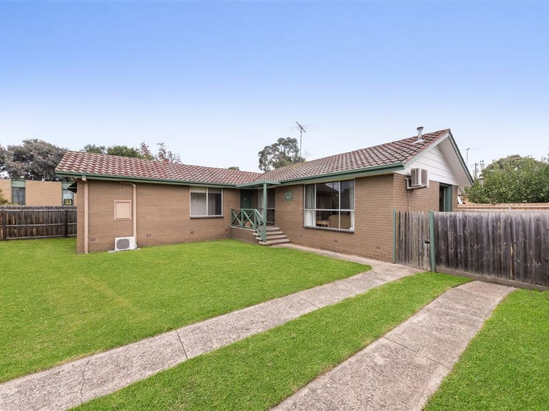 34 Ballarat Road, Hamlyn Heights, Vic 3215