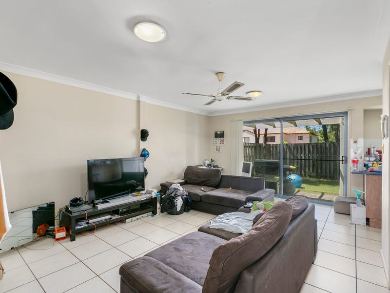 15/2 Studio Drive, Pacific Pines, Qld 4211