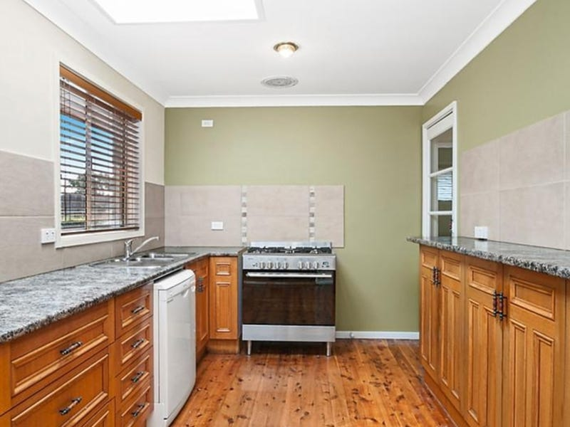 4 Ratcliffe Street, Eleebana, NSW 2282
