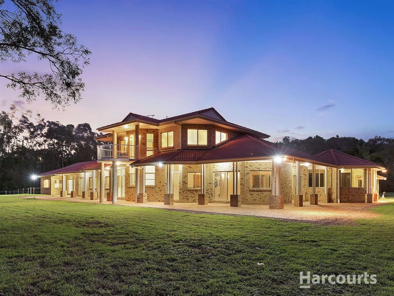 116 Campbell Parade, Beachmere, Qld 4510
