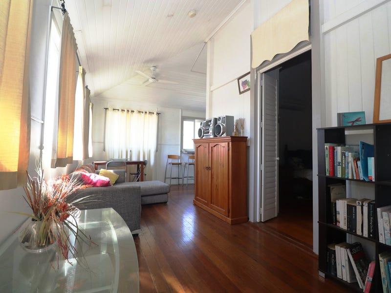 4 Cannan Street, South Townsville, Qld 4810