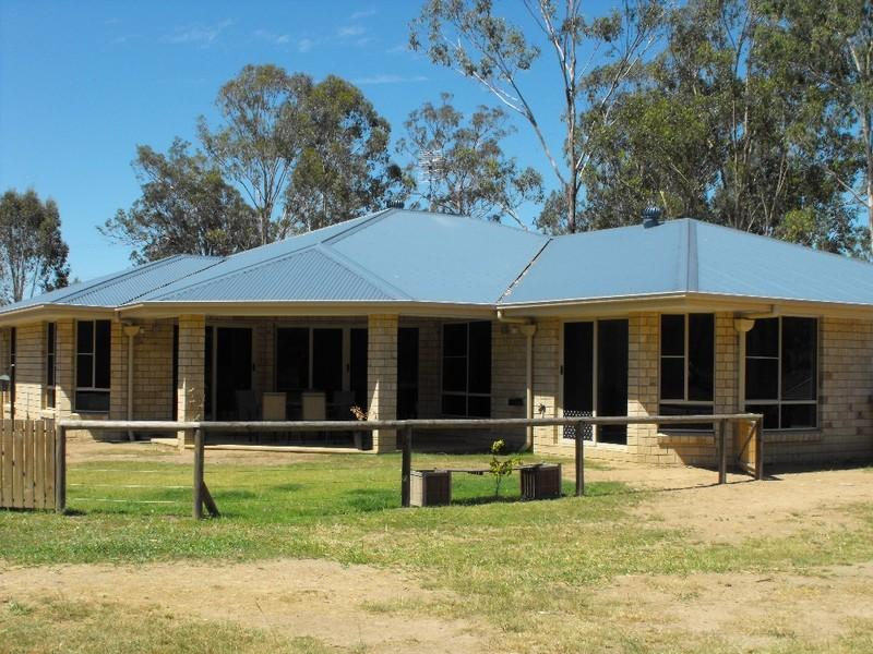 1872 Memerambi Barkers Creek Road, Wattle Camp, Qld 4615