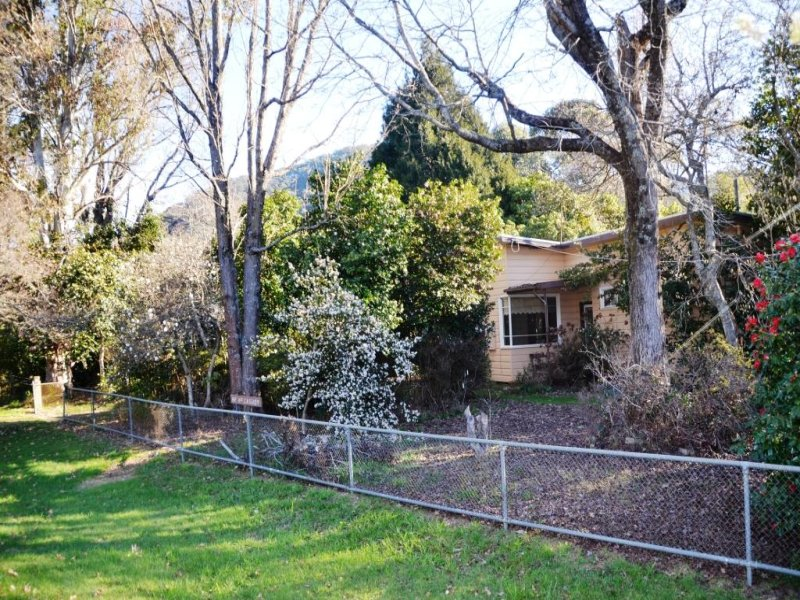 10 Great Alpine Road, Harrietville, Vic 3741