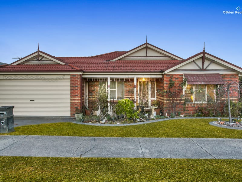 15 Stirling Circuit, Beaconsfield, Vic 3807