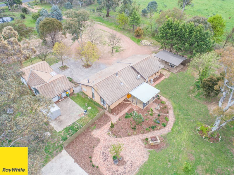 56 & 56B McIntosh Cct., Murrumbateman, NSW 2582