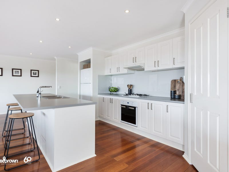 1 Russia Mews, Lilydale, Vic 3140