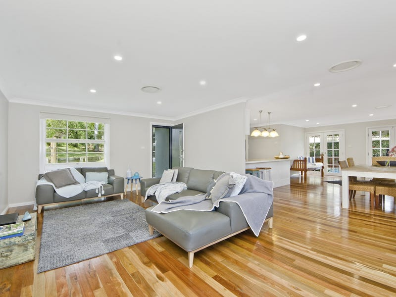 14 Roseneath Place, Baulkham Hills, NSW 2153