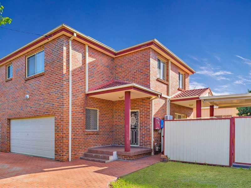 2/40 Roberts Road, Greenacre, NSW 2190
