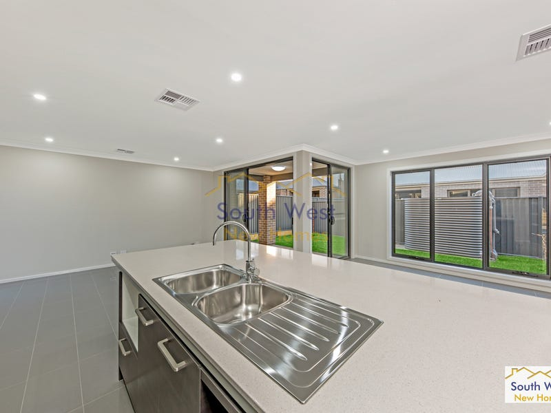 1 Plumegrass Ave, Denham Court, NSW 2565