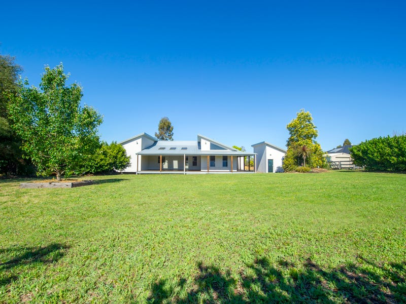 2 Kookaburra Avenue, Scone, NSW 2337