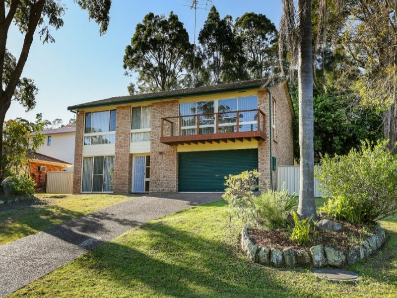 17 Parklea Avenue, Croudace Bay, NSW 2280