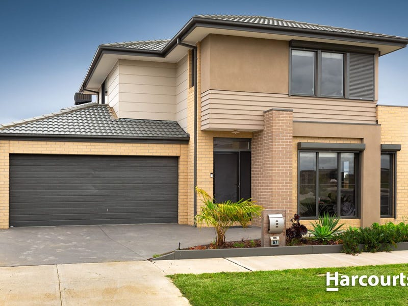 67 Belcam Circuit, Clyde North, Vic 3978