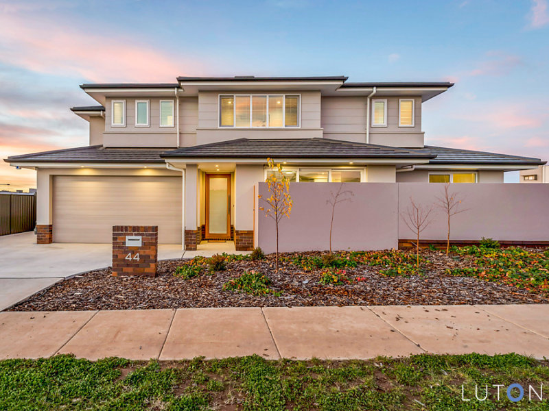 44 Finemore Street, Coombs, ACT 2611