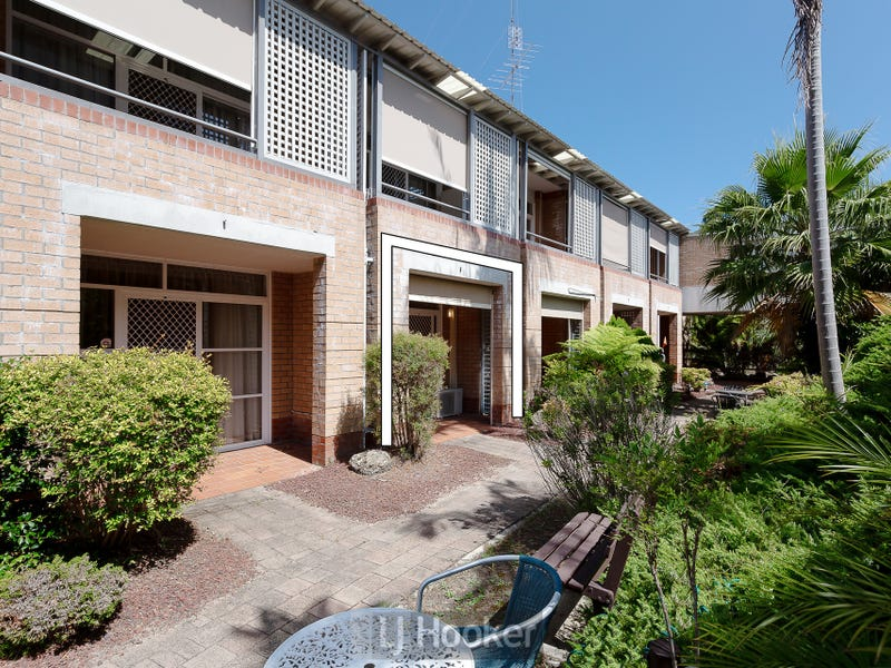 110/3 Violet Town Road, Mount Hutton, NSW 2290